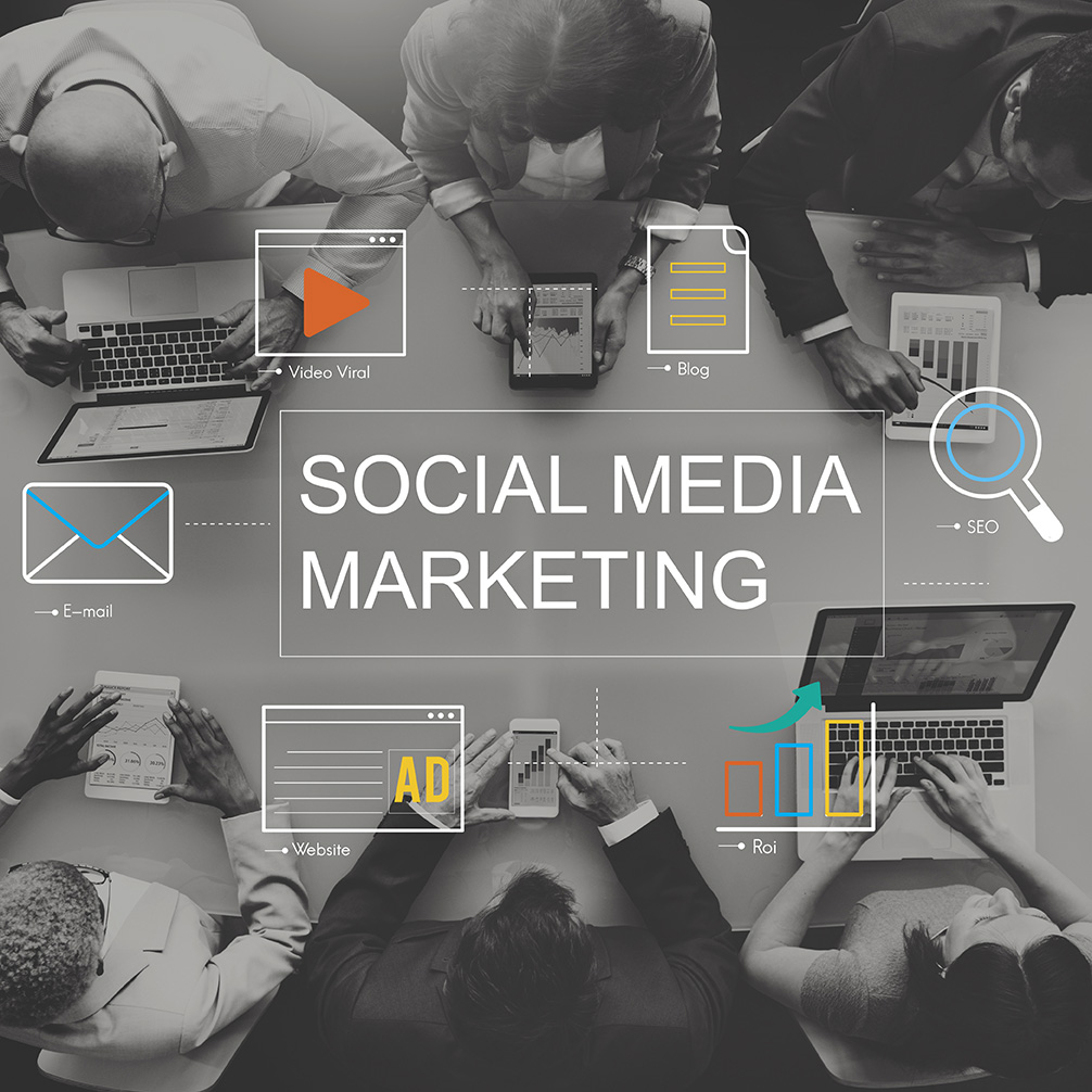 Social Media Marketing - réunion d'équipe